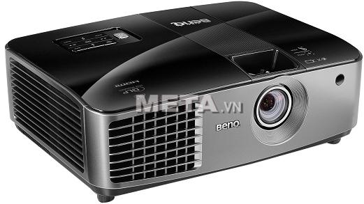 Máy chiếu BenQ MX722 sử dụng công nghệ DLP cho hình ảnh trình chiếu với chất lượng đáng kinh ngạc.