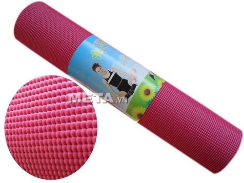 Thảm Yoga PVC trơn không hoa văn WP1 có gam màu hồng tươi trẻ.