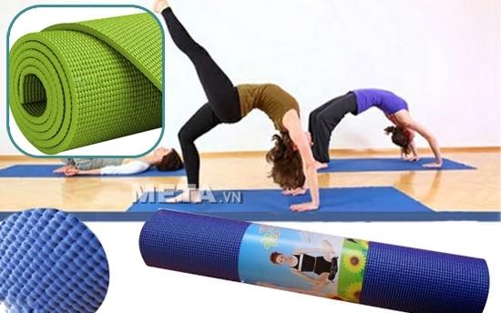 Thảm Yoga PVC trơn không hoa văn WP1 giúp các chị em rèn luyện sức khỏe dẻo dai hơn.