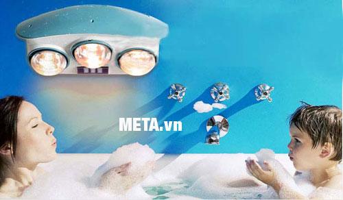 Lắp đèn sưởi gần chậu tắm hoặc bồn tắm vừa giúp tiết kiệm điện và giúp làm ấm nhanh hơn.