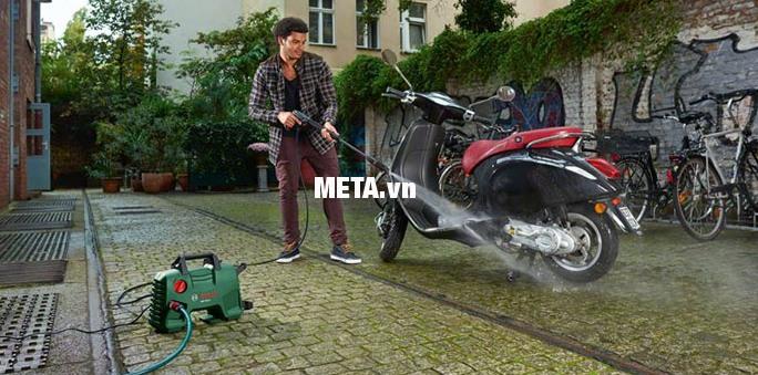 Máy rửa xe Bosch Aquatak-33-11