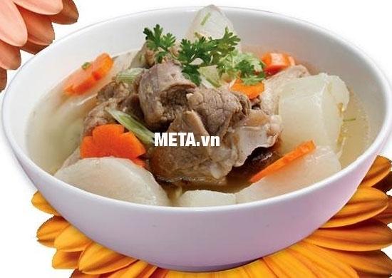Nấu món thịt bò hầm củ cải vô cùng bổ dưỡng với nồi áp suất Anod Sunhouse SHA8604 thật đơn giản.