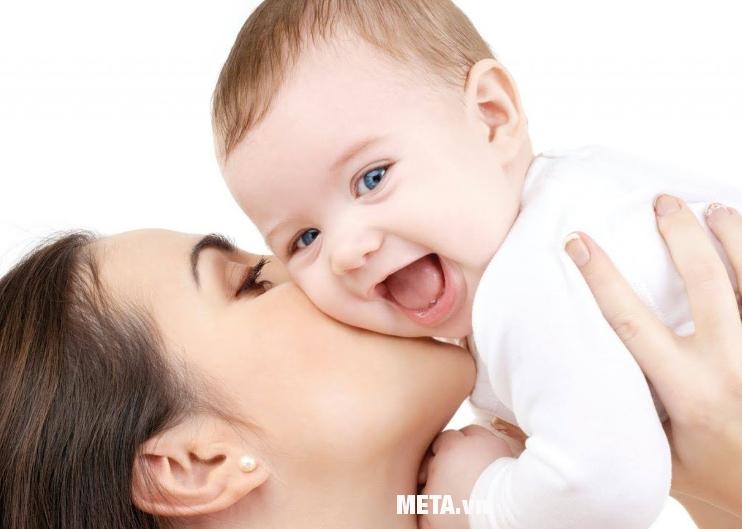 Bình rửa mũi cho bé Nasalrinse giúp chăm sóc bé yêu luôn khỏe mạnh.