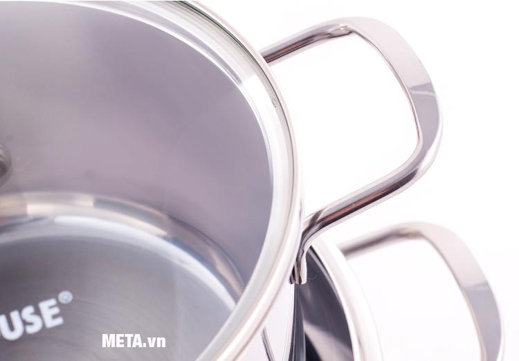 Quai nồi inox 3 đáy SH888 được thiết kế chắc chắn, lực đỡ cao gấp 2 - 3 lần nồi thông thường.