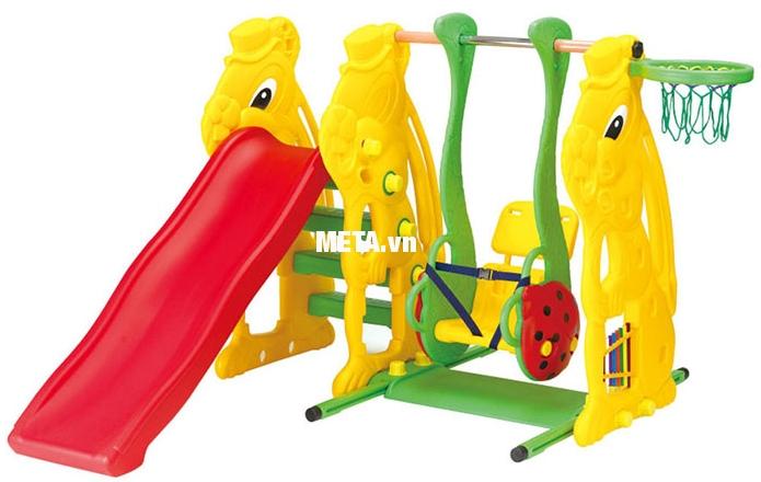 Cầu trượt con thỏ có xích đu và rổ bóng SL-08 thiết kế nhiều họa tiết dễ thương.