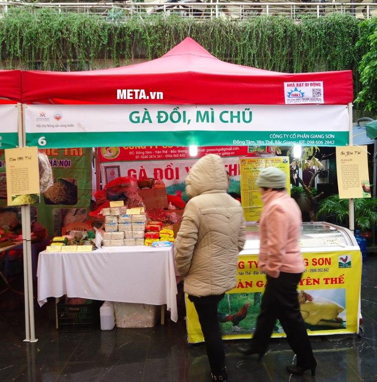 Nhà bạt di động 3m x 3m dùng tổ chức hội chợ giới thiệu về sản phẩm của công ty.