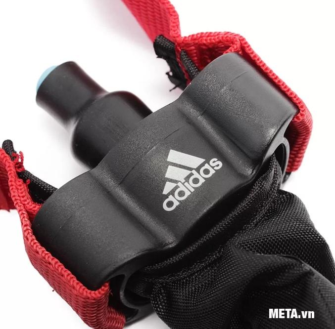 Dây đàn hồi trung Adidas ADTB-10602 thiết kế đầu nối dây với tay cầm chắc chắn, an toàn khi sử dụng.