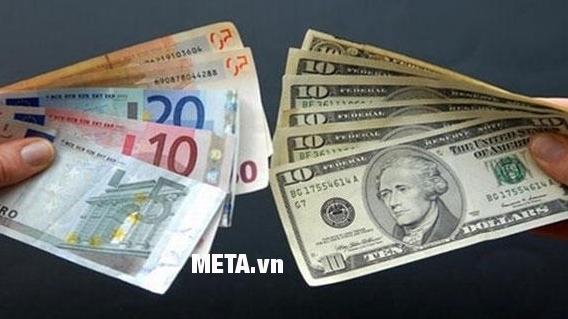 Máy đếm tiền Silicon MC-3600 có thể đếm cả tiền Euro, tiền USD