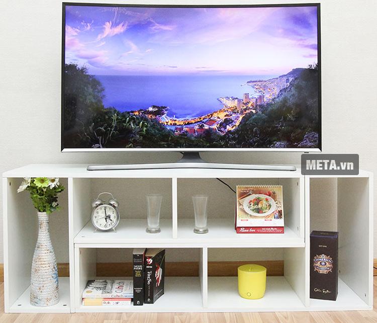 Tivi màn hình cong Samsung 48 inch Full HD UA48J6300 với thiết kế sang trọng, hiện đại.