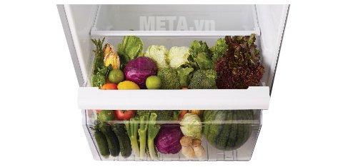 Tủ lạnh 359 lít Toshiba TG41VPDZ(XK) có ngăn đựng rau củ lớn, giúp bạn tích trữ thoải mái thực phẩm.