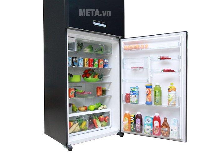 Tủ lạnh 600 lít Toshiba WG66VDAZ(GG) với hệ thống khay kệ đa dạng.