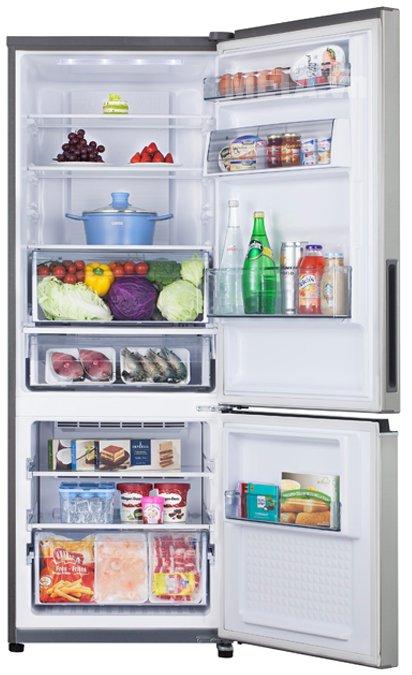 Tủ lạnh Panasonic NR-BV368QSVN 322 lít thiết kế sang trọng, chất liệu thép bạc không gỉ