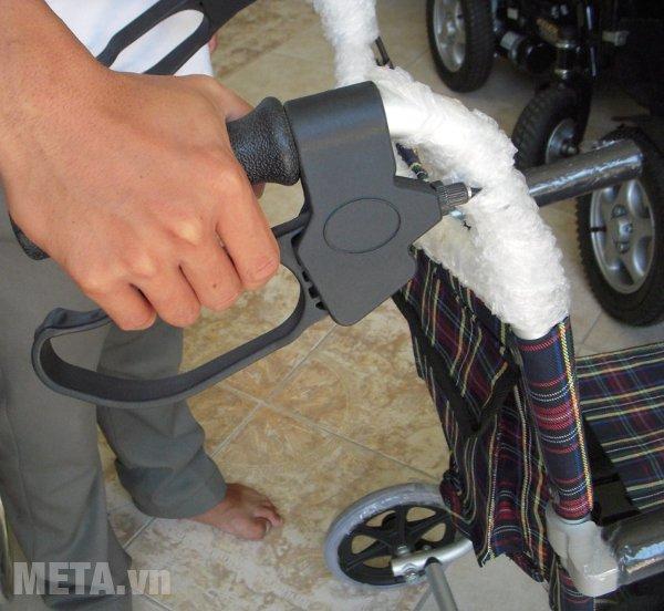 Xe lăn dành cho du lịch W-HA-9001L thiết kế chắc chắn,