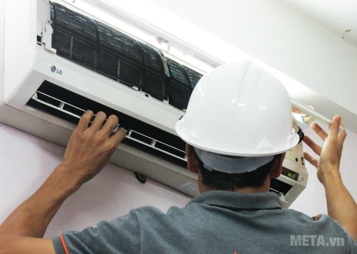 Bảo dưỡng điều hòa định kì vừa an toàn vừa tiết kiệm điện.