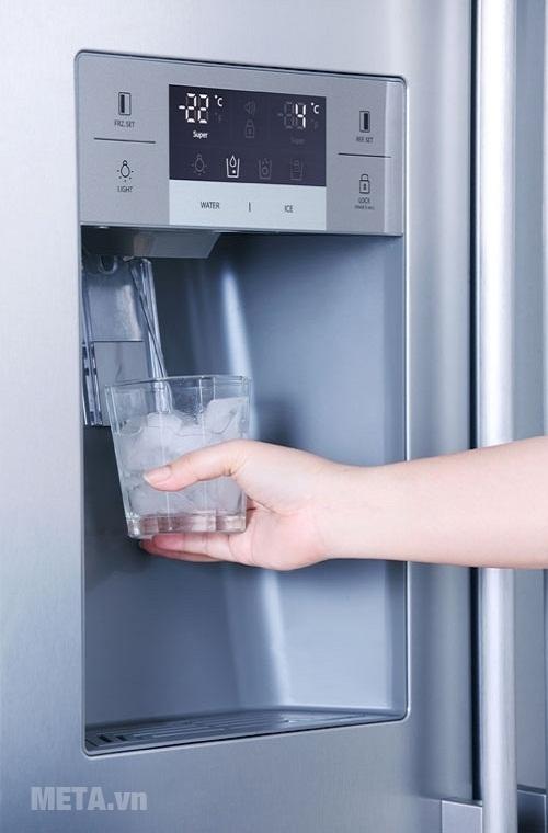 Việc làm đá hoặc đông lạnh thức ăn trong tủ lạnh mất nhiều thời gian.