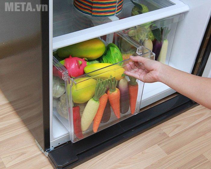 Tủ lạnh 585 lít Sharp SJ-XP590PG-BK có 2 ngăn đựng rau quả riêng biệt