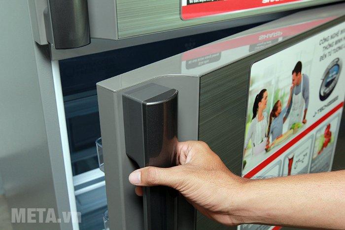 Tủ lạnh 585 lít Sharp SJ-XP590PG-SL có thiết kế hiện đại và sang trọng