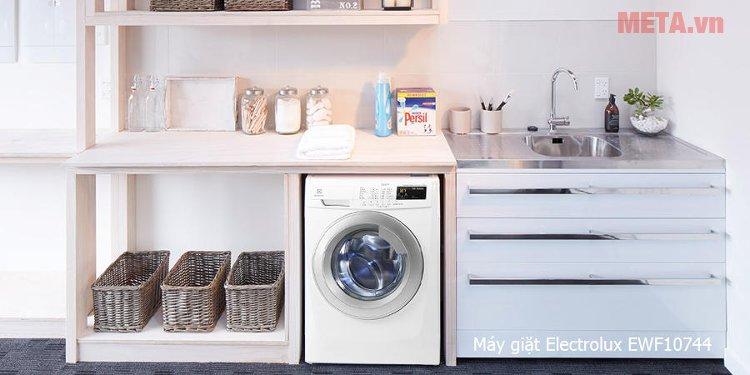 Máy giặt cửa trước 7,5kg Electrolux EWF10744 có thiết kế hiện đại