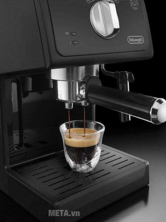 Máy pha cà phê Delonghi ECP31.21 giúp làm cappuccino hoàn hảo