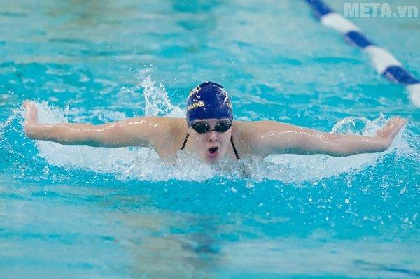 Bơi lội là môn thể thao được nhiều người yêu thích