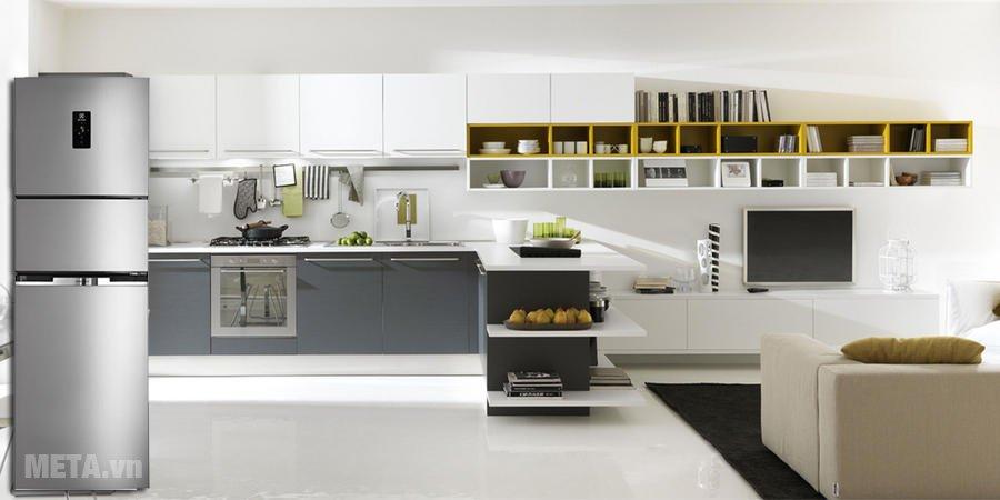 Tủ lạnh Inverter 260 lít Electrolux EME2600MG làm nổi bật không gian bếp nhà bạn
