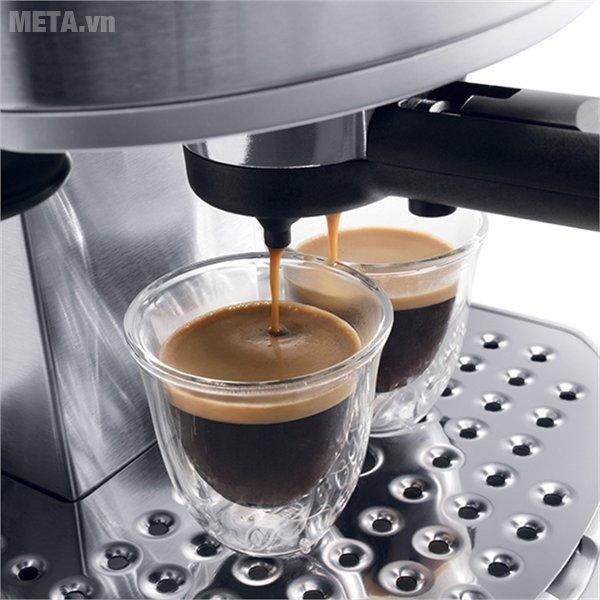 Máy pha cà phê Delonghi EC330.S giúp tiết kiệm tối đa thời gian cũng như giảm bớt lượng điện năng tiêu thụ
