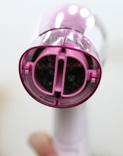 Máy sấy tóc Panasonic EH-ND21-P645 với đầu sấy độc đáo giúp thổi gió mạnh
