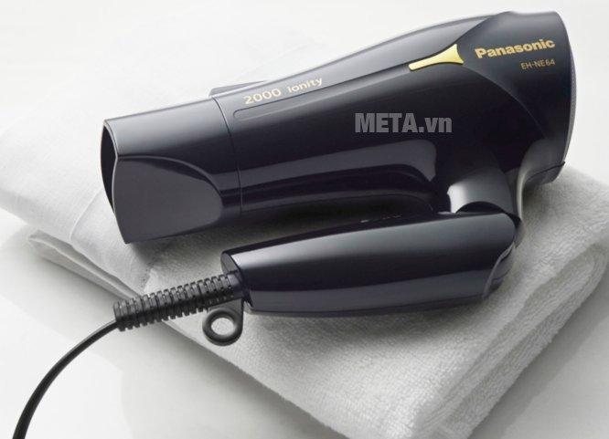 Máy sấy tóc Panasonic EH-NE64-K645 - 2.000W có thể gấp gọn tiện lợi