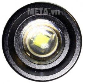 Đèn pin CREE cầm tay Tiross TS-692 được trang bị một bóng chiếu xa