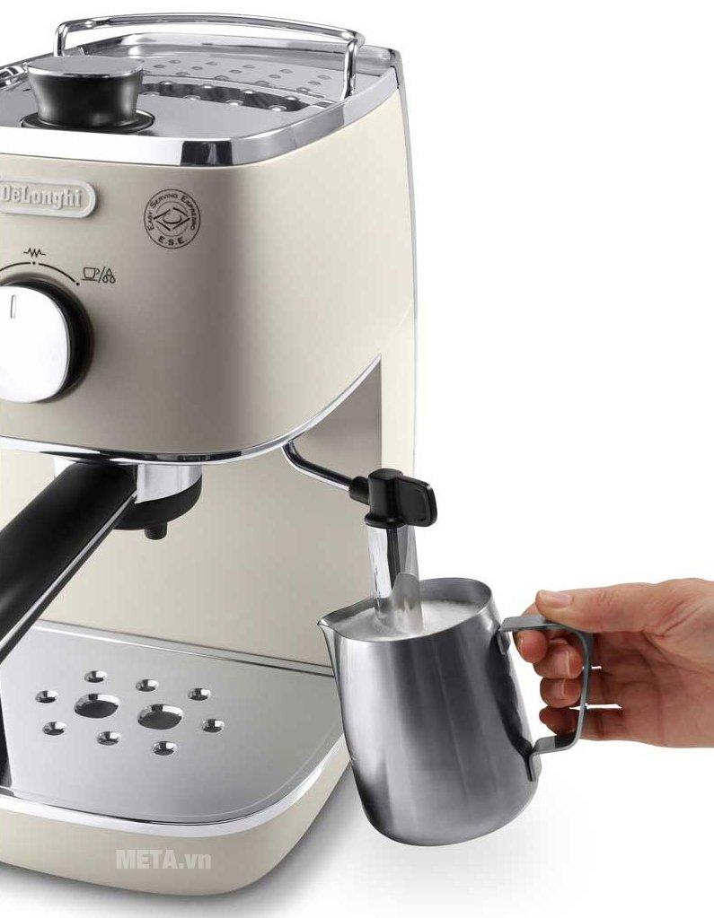 Máy pha cà phê Delonghi Distina ECI 341.W  dễ sử dụng