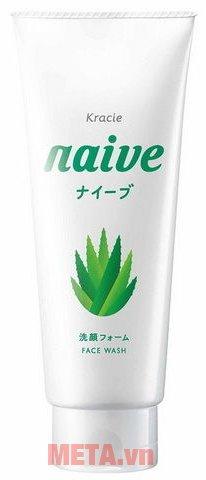 Sữa rửa mặt lô hội Naive 120g giúp làm sạch bụi bẩn trên da