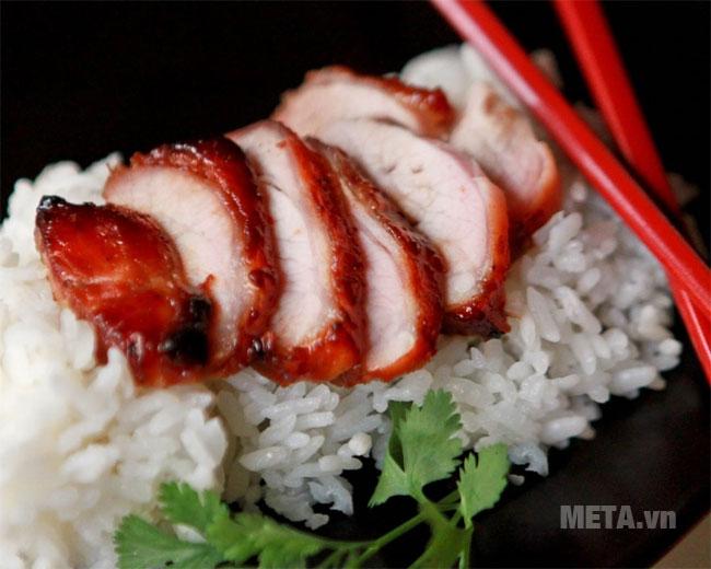 Món thịt xá xíu thơm ngon được làm với nồi cơm điện