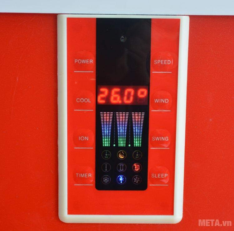 Máy làm mát Chika CK040 có bảng điều khiển điện tử với màn hình led