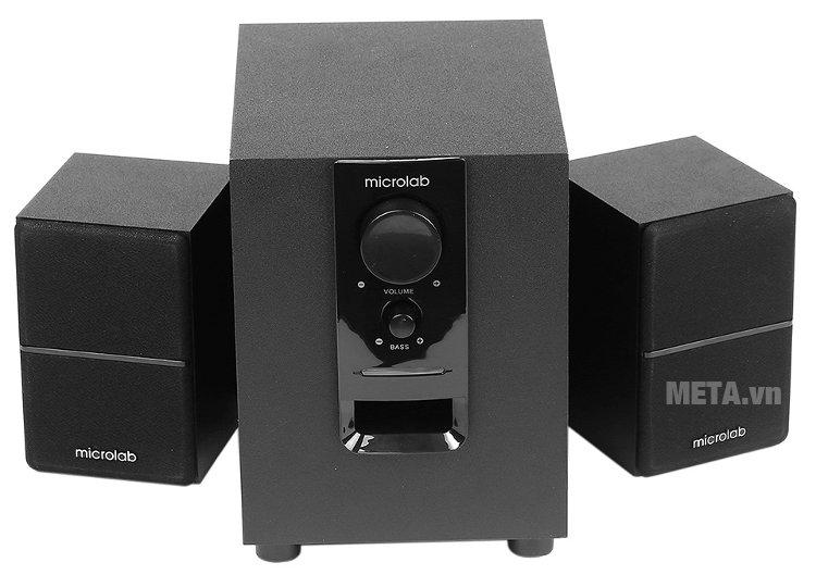 Loa vi tính Bluetooth Microlab M-106BT thiết kế núm vặn điều chỉnh bass và volume ở phía trước loa siêu trầm.
