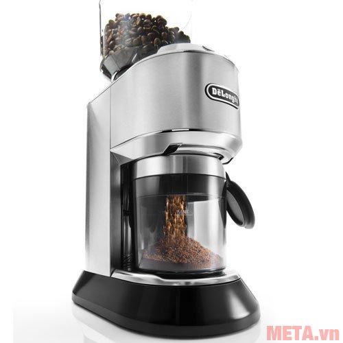Máy xay cà phê Delonghi KG521.M thiết kế ngăn đựng hạt và bột cà phê có màu trong suốt