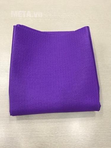 Thảm Yoga có màu tím và xanh dương