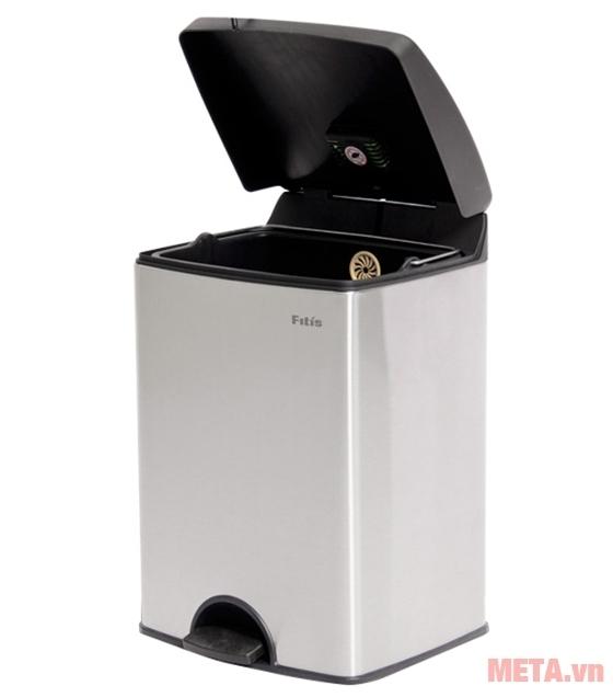 Thùng rác inox đạp vuông nhỏ Fitis SPS1-901 15 lít (bạc) có thiết kế trang nhã.