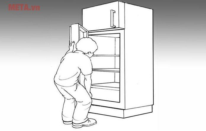 Tủ lạnh ngăn mát phía dưới khiến người sử dụng phải cúi khom khi lấy đồ