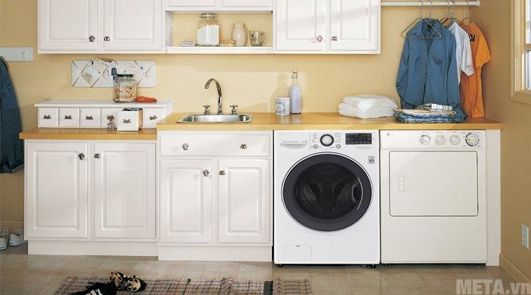 Máy giặt gia dụng LG F2514DTGW có thiết kế tao nhã phù hợp không gian gia đình