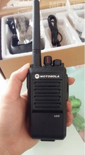 Bộ đàm Motorola A8S với 100 kênh nhớ