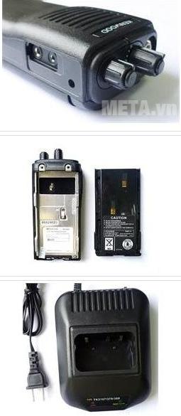 Bộ đàm Kenwood TK 3107 sử dụng pin Li-on có thể sạc nhồi bất cứ lúc nào