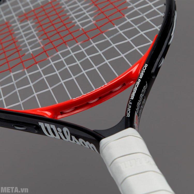 Vợt tennis trẻ em Wilson Roger Federer 23 WRT200700 được phủ lớp sơn sáng bóng đẹp mắt