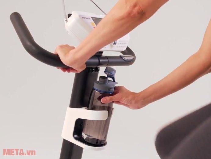 Xe đạp tập Horizon Comfort 3-02 có chỗ để bình nước thuận tiện