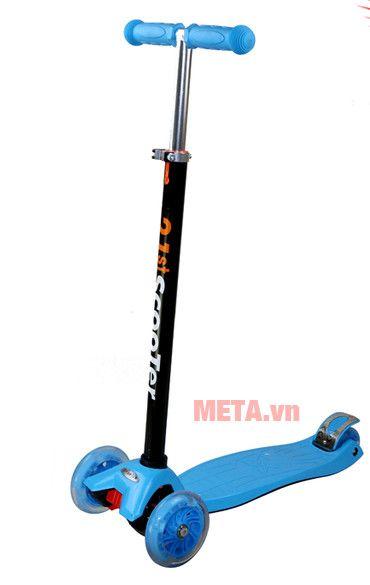 Xe scooter màu xanh lá dương