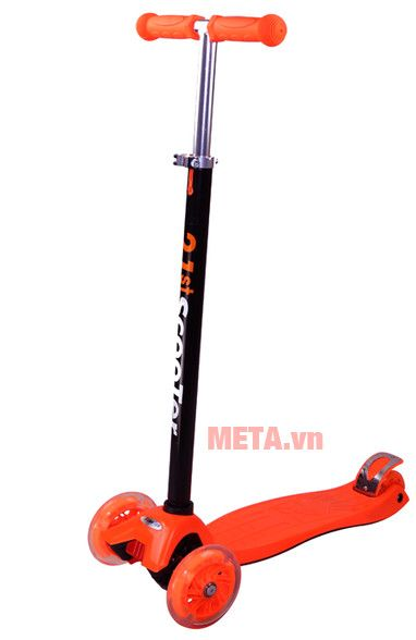 Xe scooter màu cam
