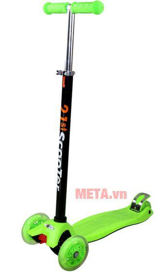 Xe scooter màu xanh lá mạ