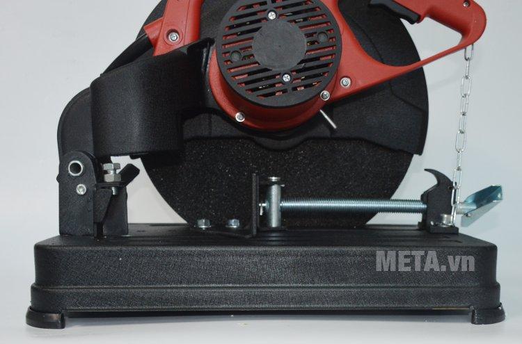 Máy cắt sắt FEG 936 có đĩa cắt sắc bén, rắn chắc