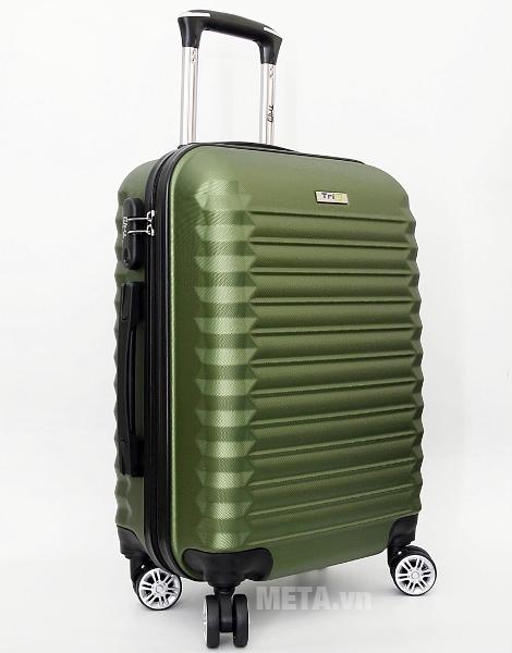 Vali kéo Trip P805 cỡ 60cm bằng nhựa dẻo chịu lực cao