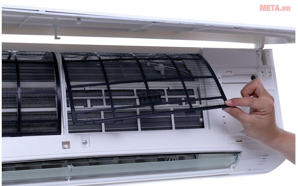 Điều hòa Panasonic 1 chiều Inverter 12.000 BTU CU/CS-U12TKH-8 dễ dàng vệ sinh sau khi sử dụng