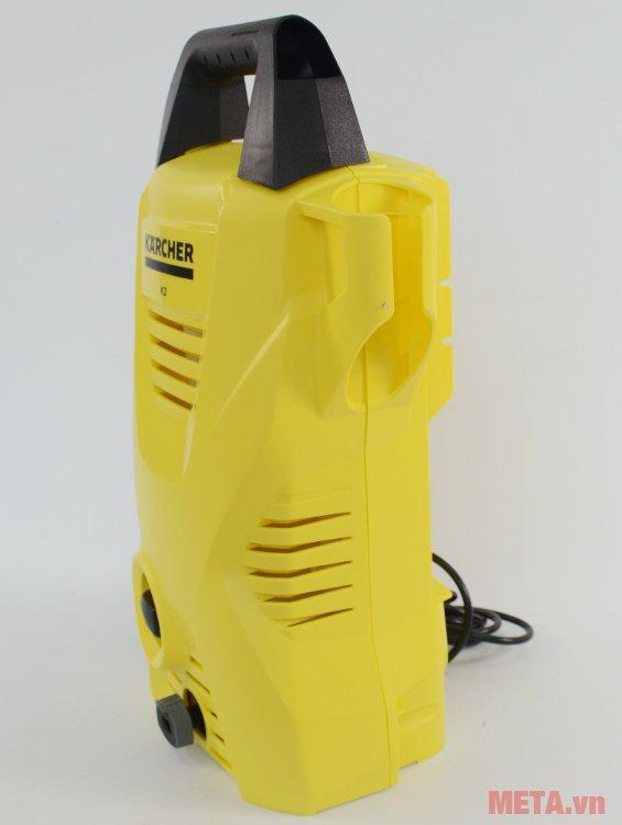 Máy rửa xe Karcher K2 Compact Car có nhiều khe tản nhiệt trên thân máy